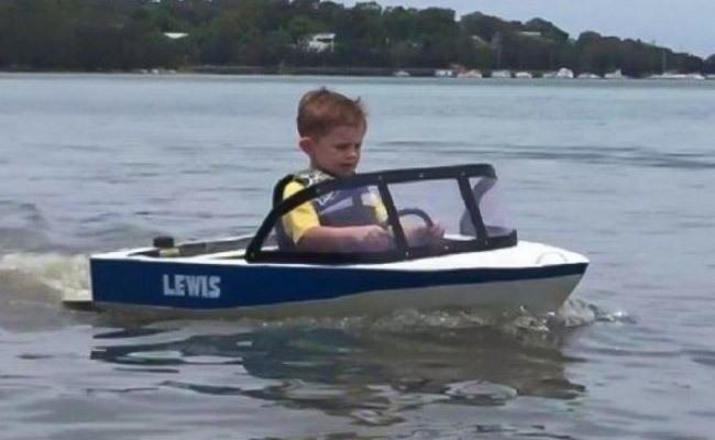 Tiny-Motorboat.jpg#asset:4942